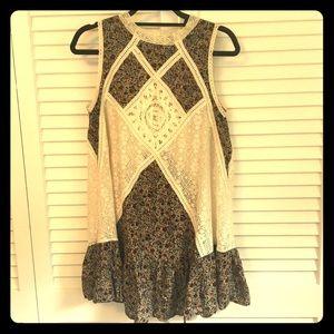 Umgee Boho Lace and Flower Tunic Dress Small